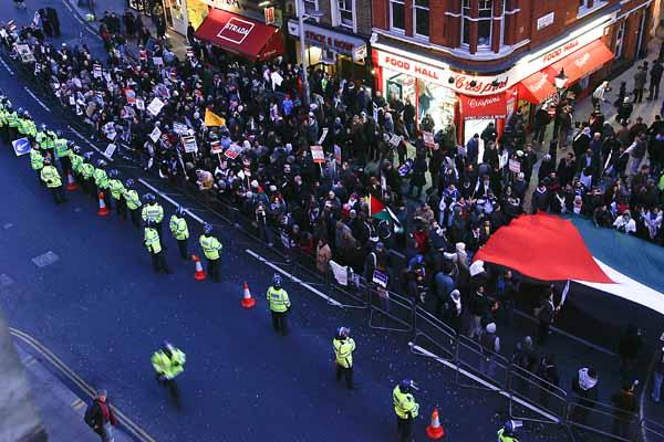 israelli-embassy-protest-0016