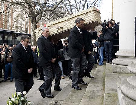 wendy-richard-funeral-001
