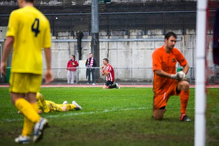 21/08/2013  Pat COX celebrates @ Guildford City FC v Thatcham Town FC at the Spectrum. Pictures Paul Burgman