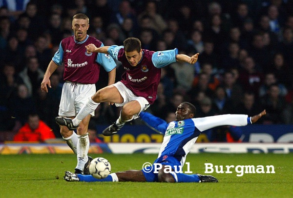 23/02/02.  West Ham United Versus Blackburn Rovers at Upton Park.  Joe Cole