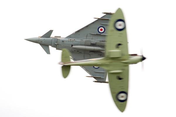 28/08/2015.  Wings & Wheels Typhoon & Spitfire