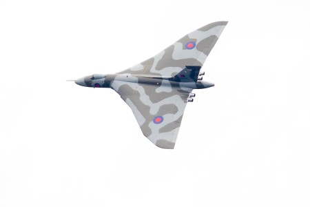 28/08/2015.  Wings & Wheels. Vulcan over Dunsfold