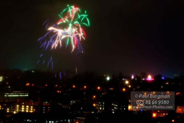 05/11/2015.  Guildford Fireworks, shot from the mount
