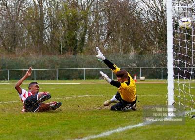 16/04/2016. Guildford City FC v Chessington & Hook United.