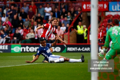 12/08/2017 Brentford v Nottingham Forest at Griffin Park.BrentfordÕs Lasse VIBE shoots