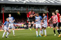 16/09/2017. Brentford FC v Reading FC. Action from SkyBet Championship Match at Griffin Park. Brentford's Andreas BJELLAND heads over