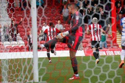 16/09/2017. Brentford FC v Reading FC. Action from SkyBet Championship Match at Griffin Park. Brentford's Josh CLARKE celebrates