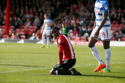 16/09/2017. Brentford FC v Reading FC. Action from SkyBet Championship Match at Griffin Park. Brentford's Florian Jozefzoon close to connecting with a cross