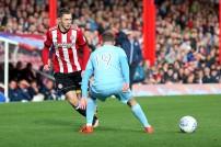 21/10/2017. Brentford v AFC Sunderland. Action from the Sky Bet Championship. Brentford's Henrik DALSGAARD