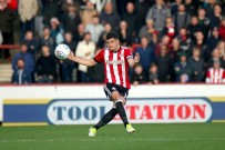21/10/2017. Brentford v AFC Sunderland. Action from the Sky Bet Championship. Brentford's John EGAN
