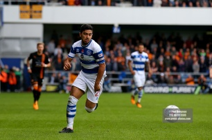 28/10/2017. Queens Park Rangers v Wolverhampton Wanderers. Match action from the Sky Bet Championship. QPRÕs Massimo LUONGO