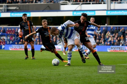28/10/2017. Queens Park Rangers v Wolverhampton Wanderers. Match action from the Sky Bet Championship. QPRÕs Luke FREEMAN battles