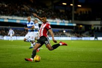 27/11/2017. QPR v Brentford. Action from the SkyBet Championship. Brentford's Ollie WATKINS shoots