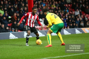 27/01/2018. Brentford FC v Norwich City. SkyBet Championship Match Action from Griffin Park. Brentford's Florian JOZEFZOON
