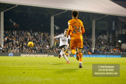 24/02/2018. Fulham v Wolverhampton Wanderers. Action from the SkyBet Championship at Craven Cottage as League leaders visit 5th place.FulhamÕs Stefan JOHANSEN shoots