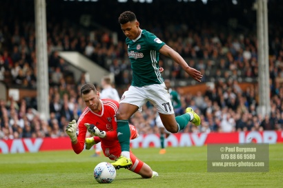 14/04/2018. Fulham v Brentford. SkyBet Championship Action from Craven Cottage. Brentford's Ollie WATKINS & FulhamÕs Goalkeeper Marcus BETTINELLI
