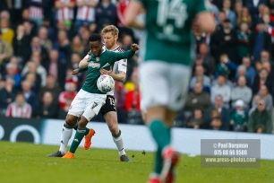 14/04/2018. Fulham v Brentford. SkyBet Championship Action from Craven Cottage. Brentford's Florian JOZEFZOON & FulhamÕs Tim REAM