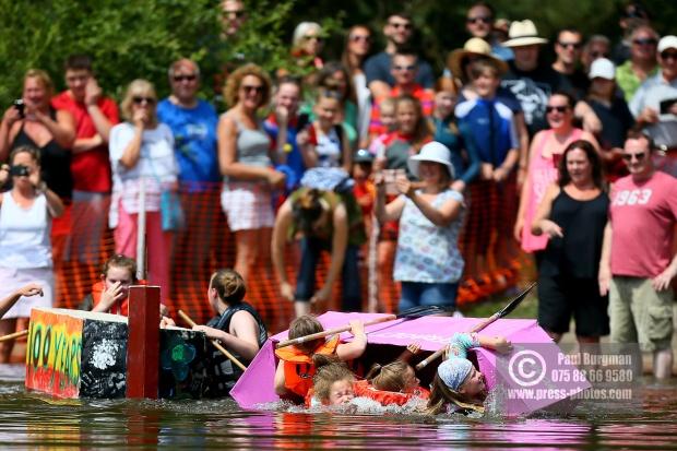Elstead Paper Boat Race 2018 0022