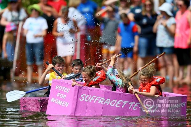 Elstead Paper Boat Race 2018 0047