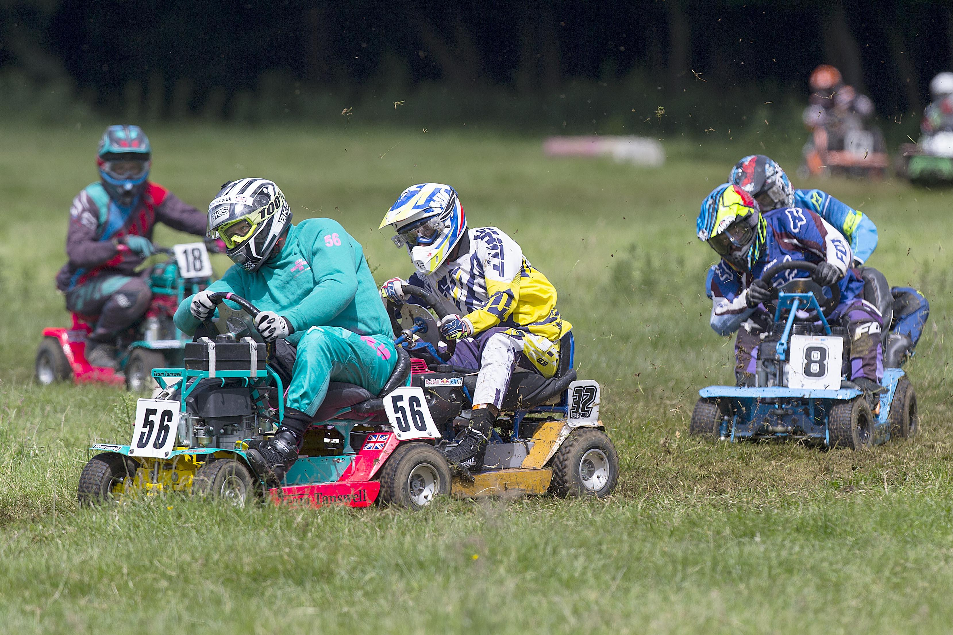 Lawn Mower Racing 0358